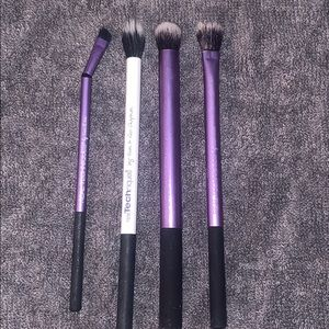 Real Techniques Makeup - Real technique brushes